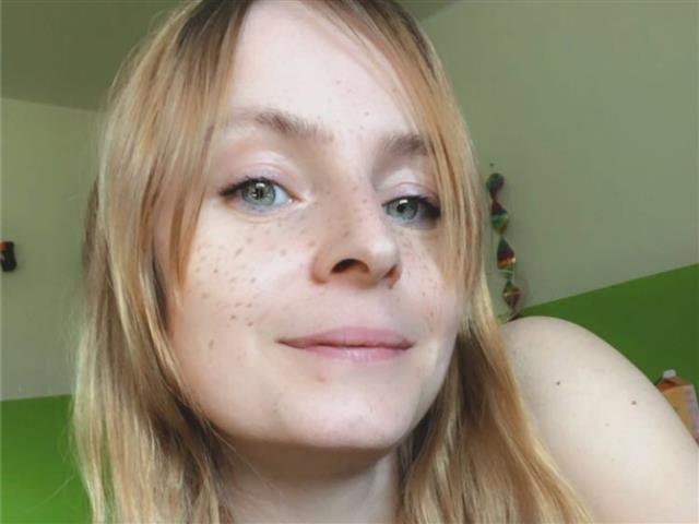 Ylva (31) Tennisspielerin