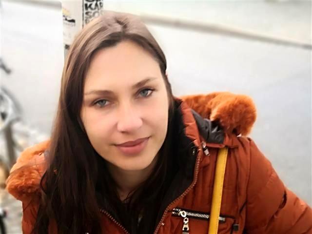 Romy (29) Busfahrerin