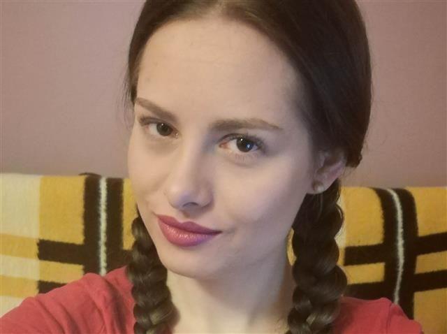 Esther (33) Grafik-Designerin