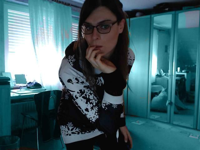 Romina (41) Mode-Designerin