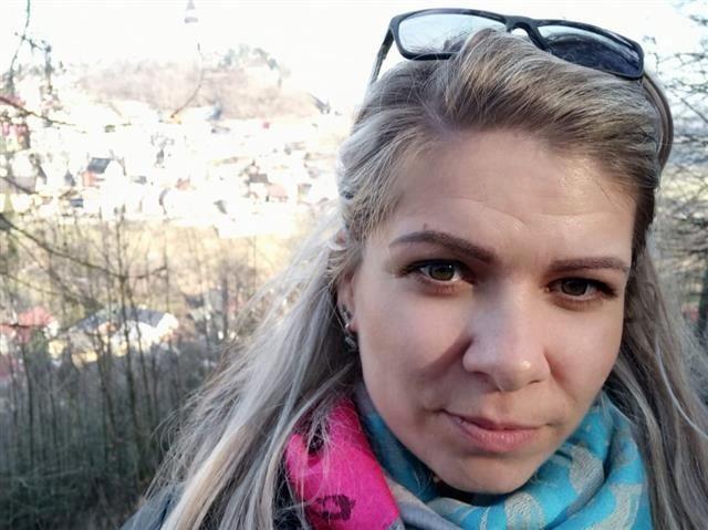 Alessia (34) Surferin