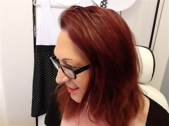 Adriana (36) Medien-Designerin