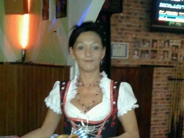 Linda (41) Stewardess