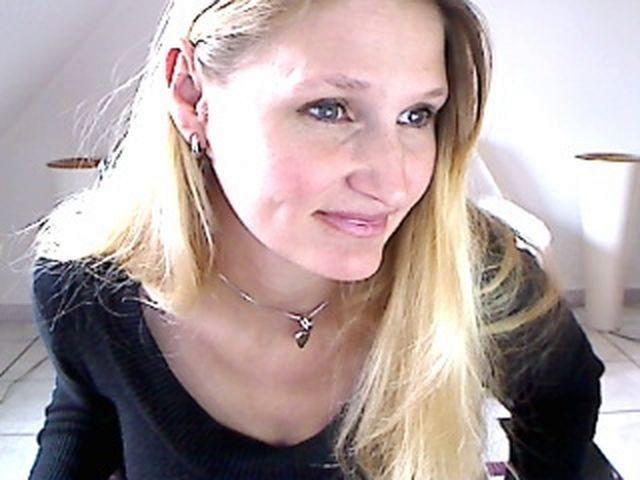 Eva (30) Putzfrau