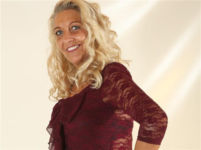 Samantha (40) Fleischerin