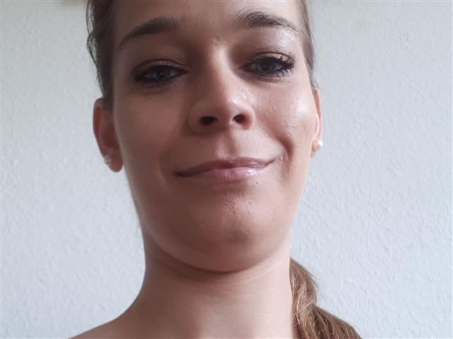 Felicitas (28) Kellnerin