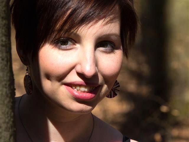 Isabella (42) Youtuberin