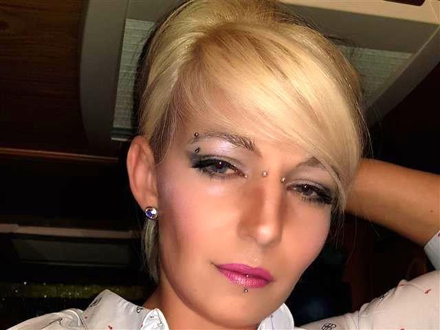 Isabel (41) Yoga-Fan