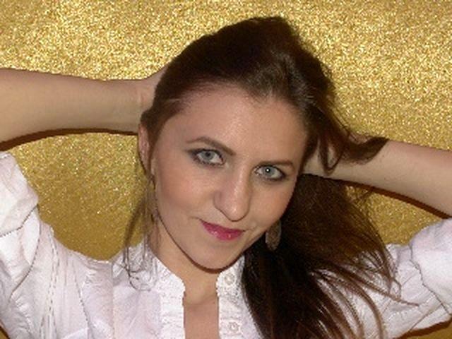 Isabel (29) Änderungsschneiderin
