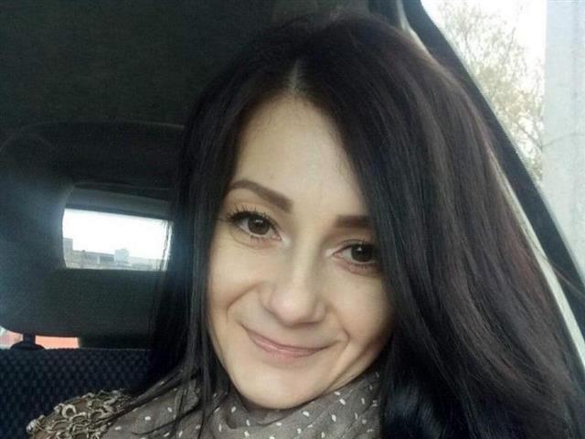 Bella (40) Boxerin