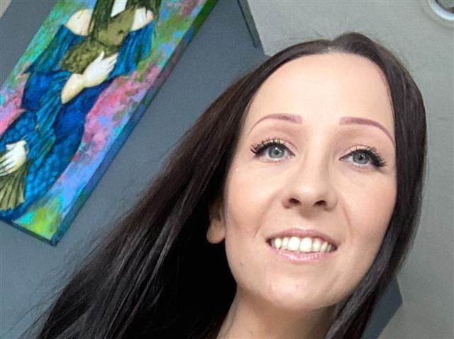 Karla (41) Kellnerin