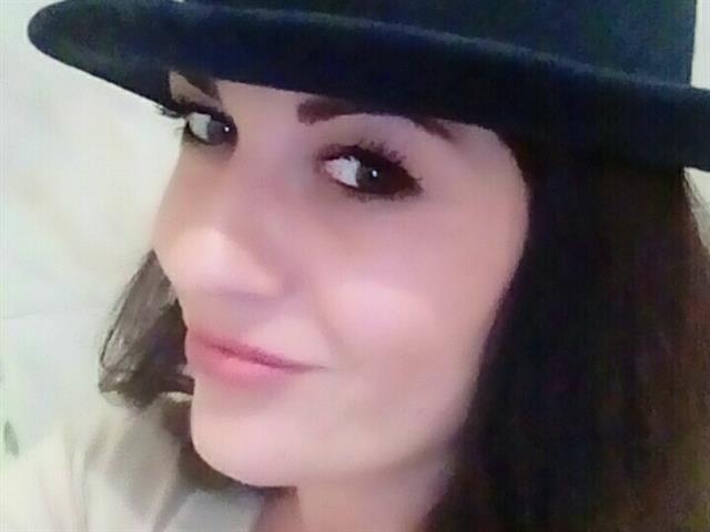 Ella (43) Maskenbildnerin