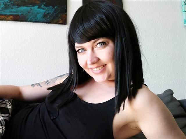 Carina (38) Reinigungskraft