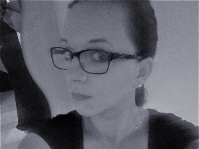 Romy (28) Journalistin