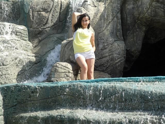Josephine (43) Bergsteigerin