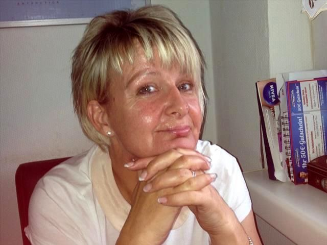 Elisabeth (30) Grafik-Designerin