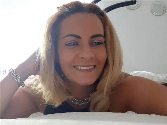Sofie (44) Pflegerin