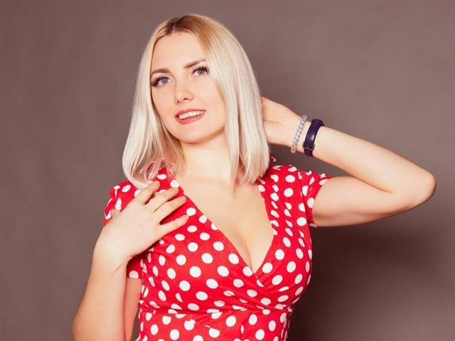 Charlotte (33) Silberschmiedin