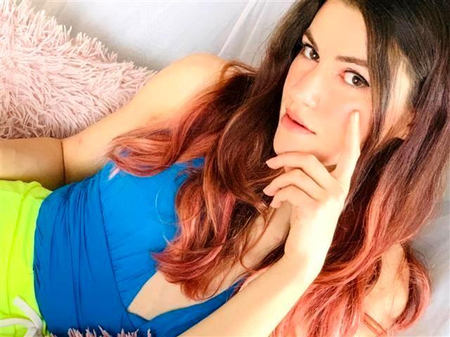Lotta (48) Sängerin