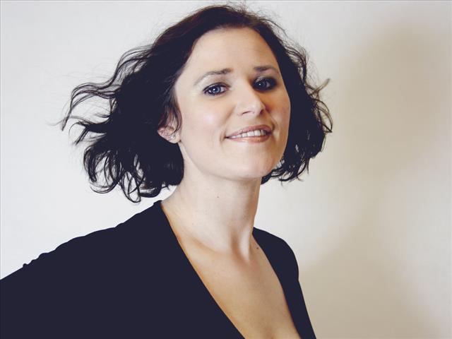 Adriana (39) Eiskunstläuferin