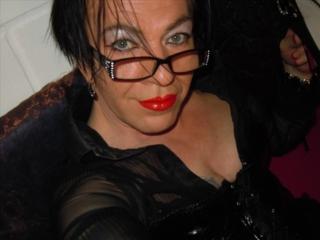 Mathilde (42) Grafik-Designerin