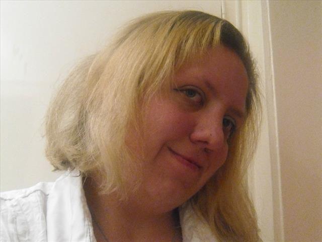 Marta (29) Einkäuferin