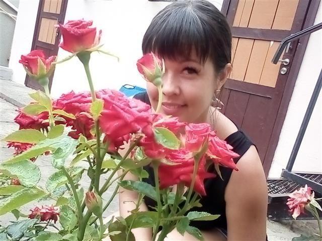 Lana (31) Sportlerin
