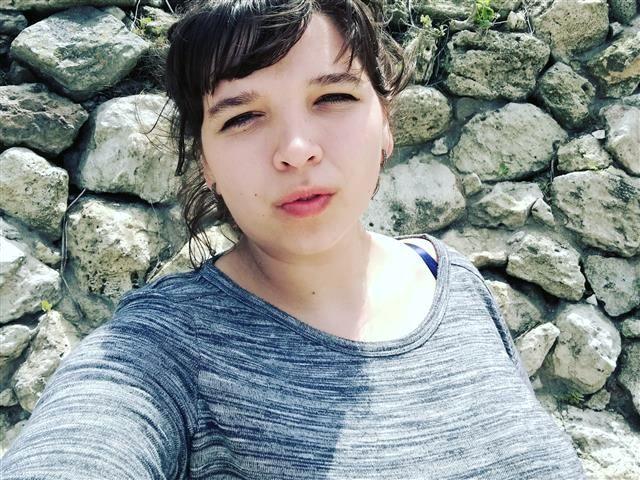 Nina (34) Pianistin