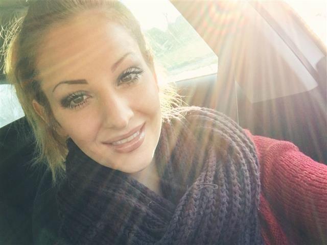Michelle (31) PR-Beraterin
