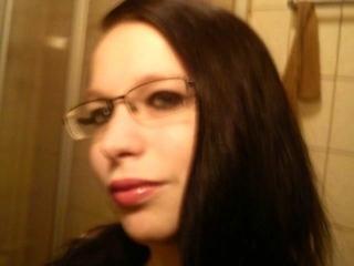 Carina (28) Modeschneiderin