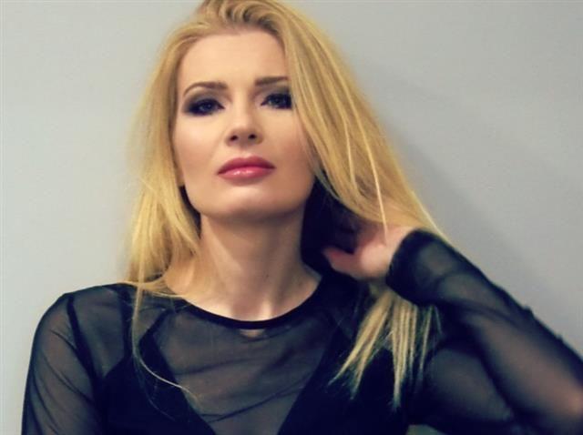 Imke (35) Moderatorin