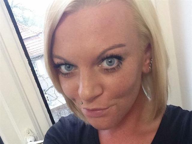 Julie (32) Schwimmerin