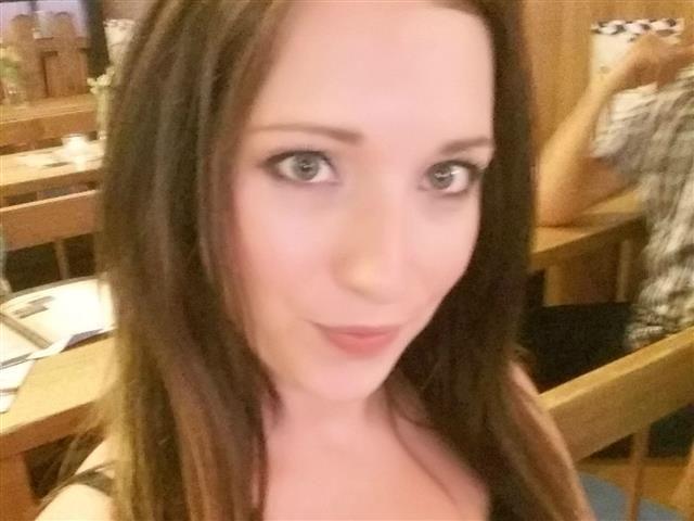 Annie (37) Einkäuferin