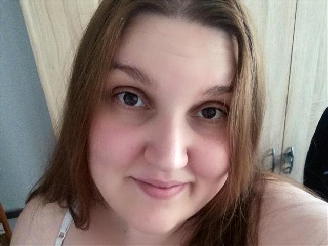 Madeleine (30) Feinoptikerin