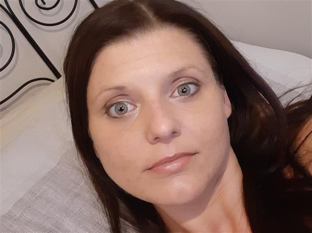 Annabell (30) Busfahrerin
