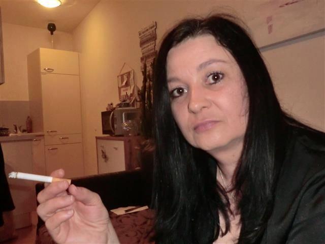 Berta (37) Pflegerin