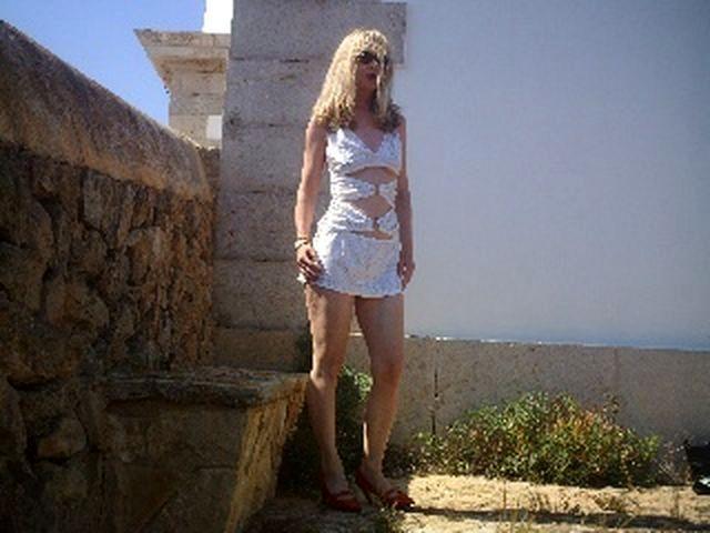 Elisabeth (32) Maßschneiderin