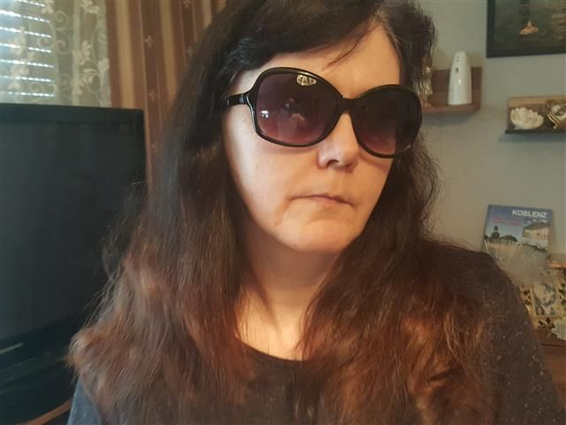 Melinda (32) Textilschneiderin