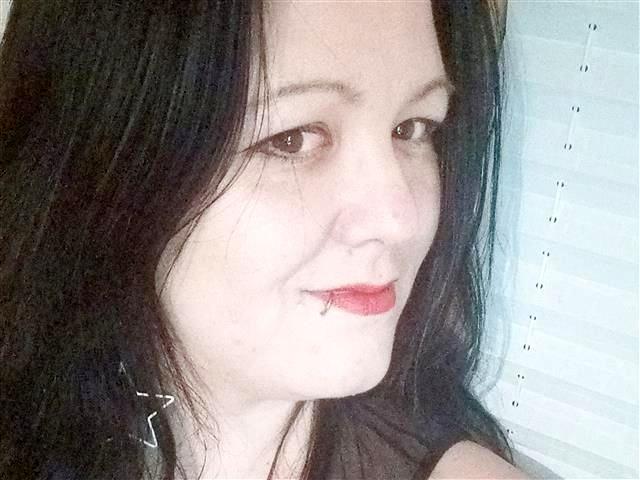 Rebecca (35) Sekretärin